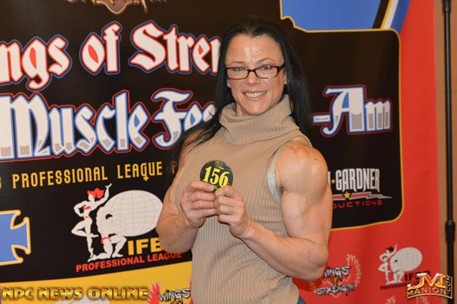 2018 IFBB WOS ROMANIA MUSCLE FEST PRO!! NPC_4871